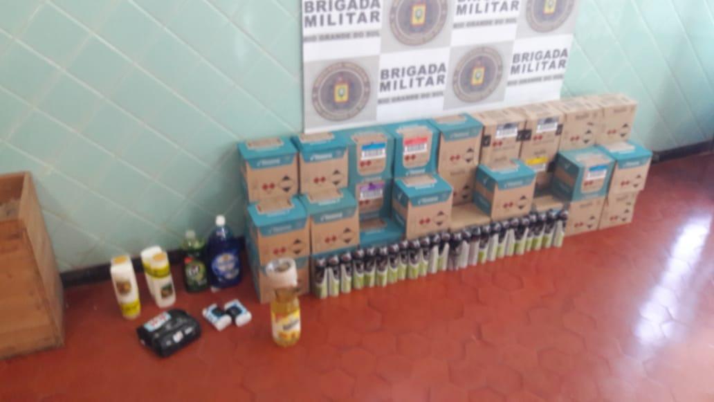 Tiradentes do Sul: Brigada Militar prende condutor por descaminho e apreende mercadorias