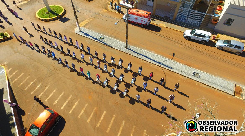 Braga: Banda e alunos da Escola Santo Pazini se preparam para o desfile cívico