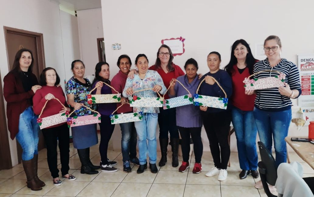 Braga: Grupo de Mulheres do artesanato do PAIF realiza artesanato e debate sobre o Setembro Amarelo