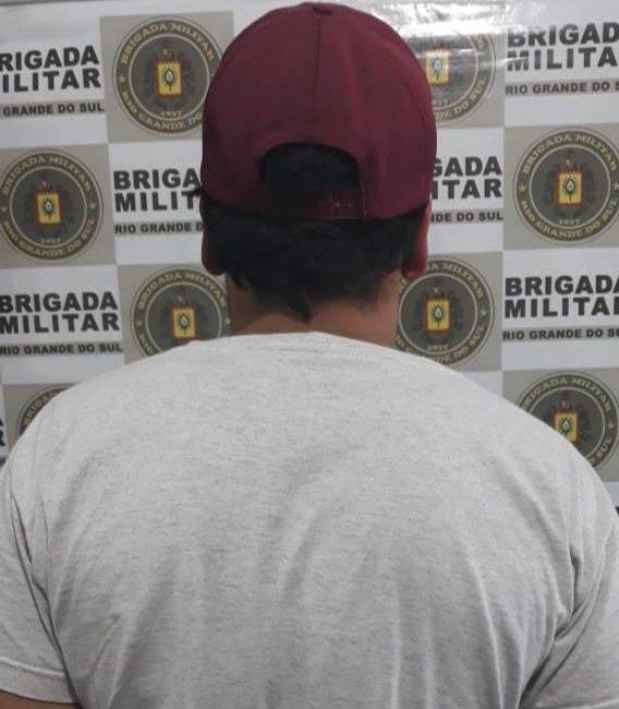 Homem é preso por tráfico de drogas pela Brigada Militar em Santa Rosa
