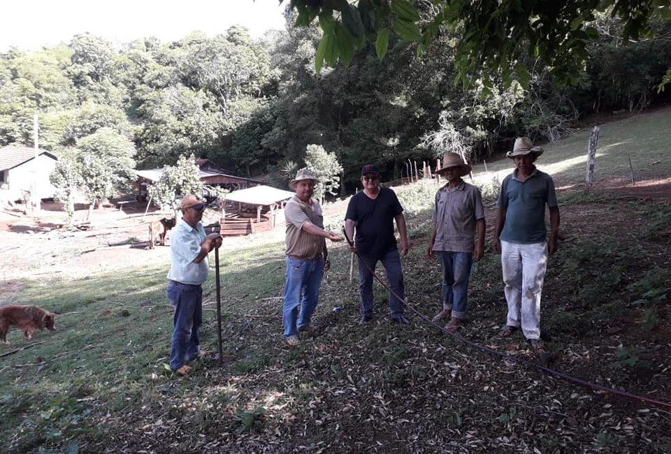 Redentora: Administração Municipal instala rede de água em Linha Casagrande