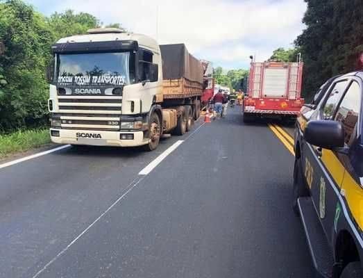 Carreta de Miraguaí se envolve em acidente com morte na BR 386