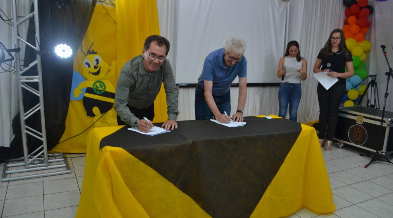 Sicredi Celeiro RS/SC assina contrato do PUFV em Vista Gaúcha