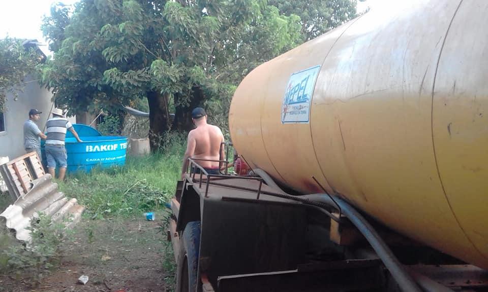 Redentora: Administração Municipal disponibiliza caminhão-pipa