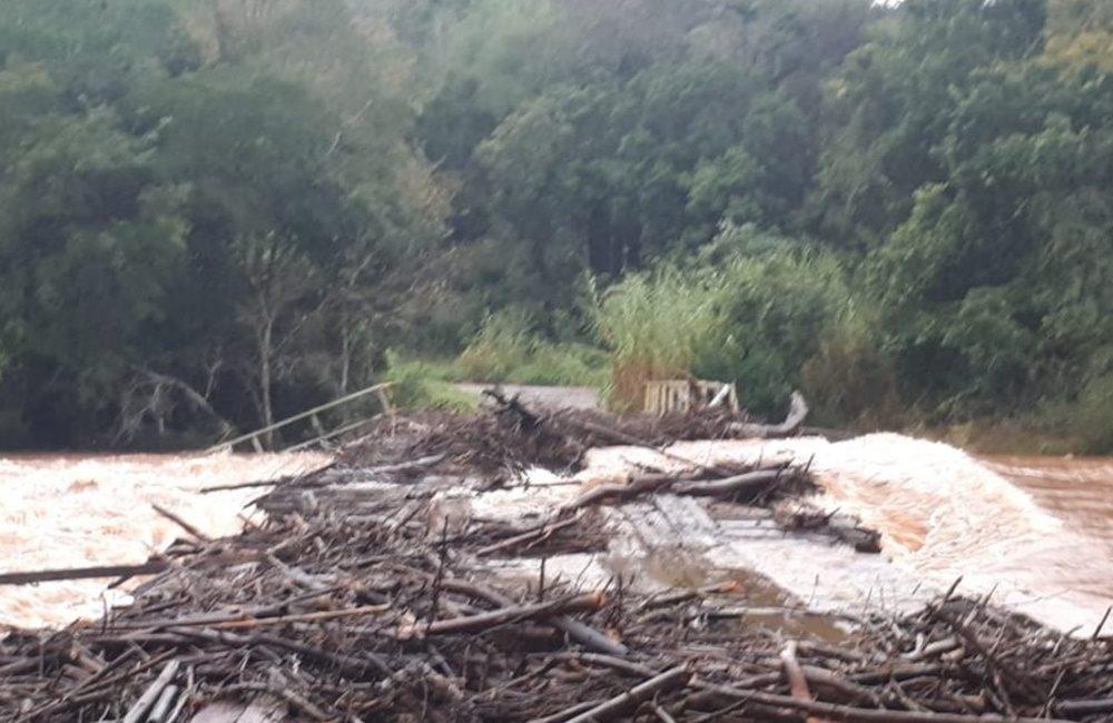 VÍDEO: Cheia no rio Turvo deixa ponte submersa entre Três Passos e Tenente Portela