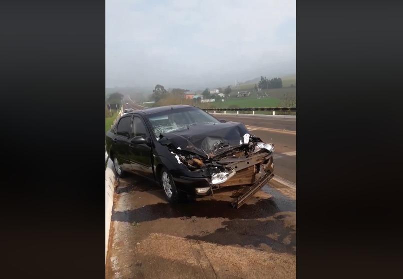 Acidente envolvendo veículo de Campo Novo no trevão em Palmeira das Missões